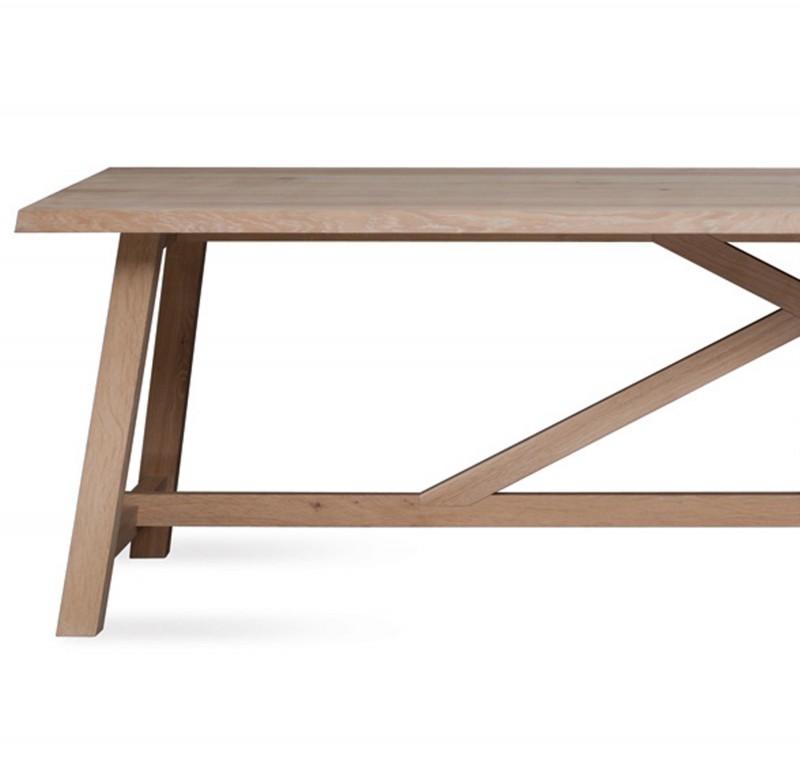 Tisch BC 02